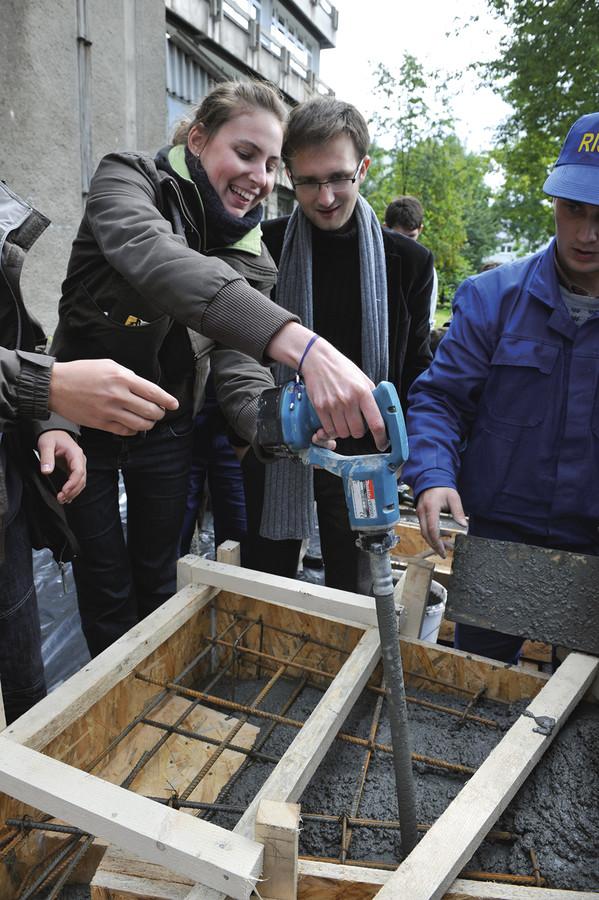 Zagęszczanie betonu wibratorem