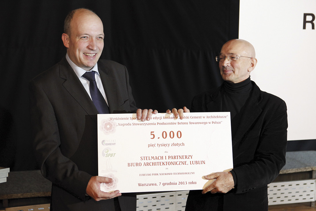 Nagrodę Specjalną Stowarzyszenia Producentów Betonu Towarowego w Polsce otrzymał Lubelski Park Naukowo-Technologiczny. Nagrodę wręczał dr inż. Maciej Gruszczyński, dyrektor biura SPBTwP