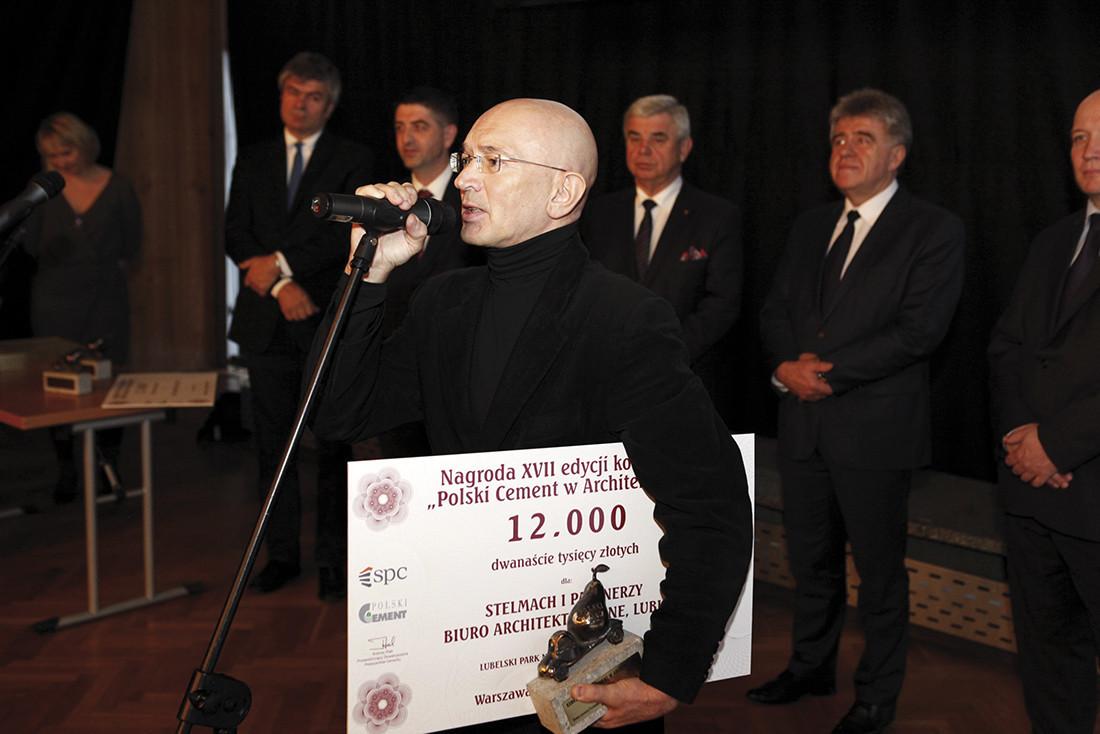 Nagrodę za Lubelski Park Naukowo-Technologiczny odbiera arch. Bolesław Stelmach