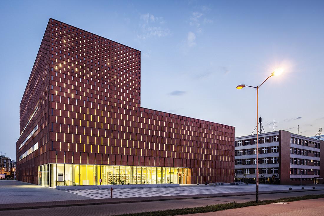 Nagroda główna w konkursie Polski Cement w Architekturze 2012 – Centrum Informacji Naukowej i Biblioteka Akademicka w Katowicach