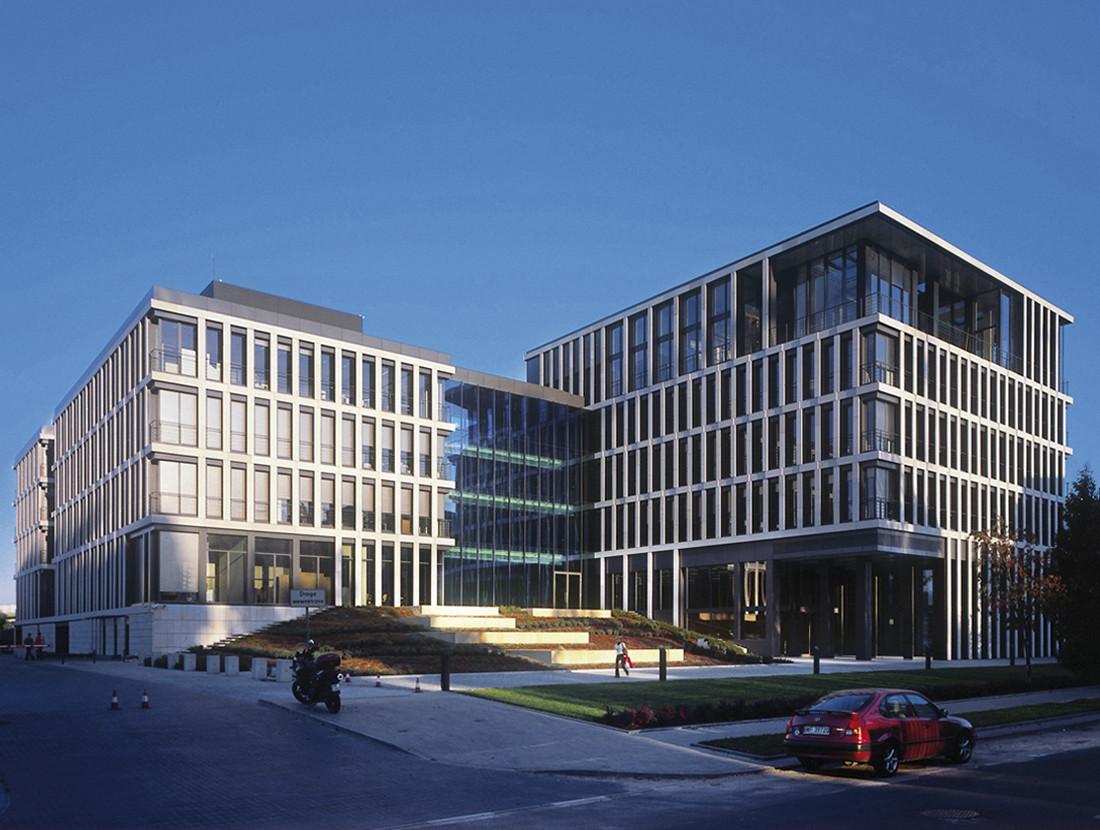 Budynek biurowy SPECTRA przy ul. Bobrowieckiej w Warszawie