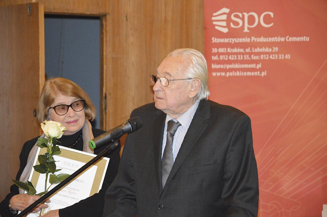 Podczas wieczoru nagród w siedzibie SARP medal Bene Merentibus za zasługi dla rozwoju polskiej architektury otrzymali m.in. Andrzej Wajda i Krystyna Zachwatowicz