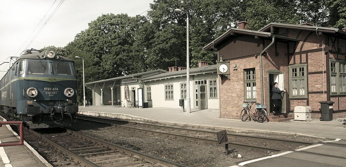 dworzec kolejowy w Puszczykowku