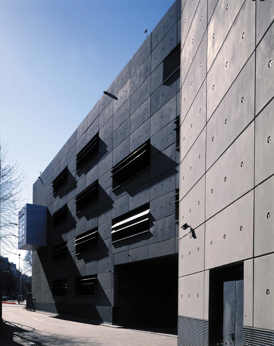 Budynek biurowo-magazynowy firmy REPROGRAF w Warszawie