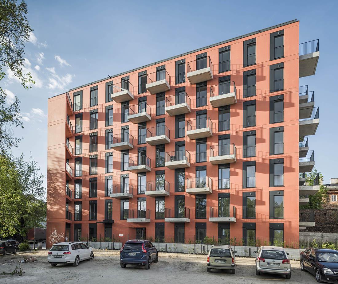 Budynek mieszkalny na warszawskiej Pradze, przy ulicy Sprzecznej