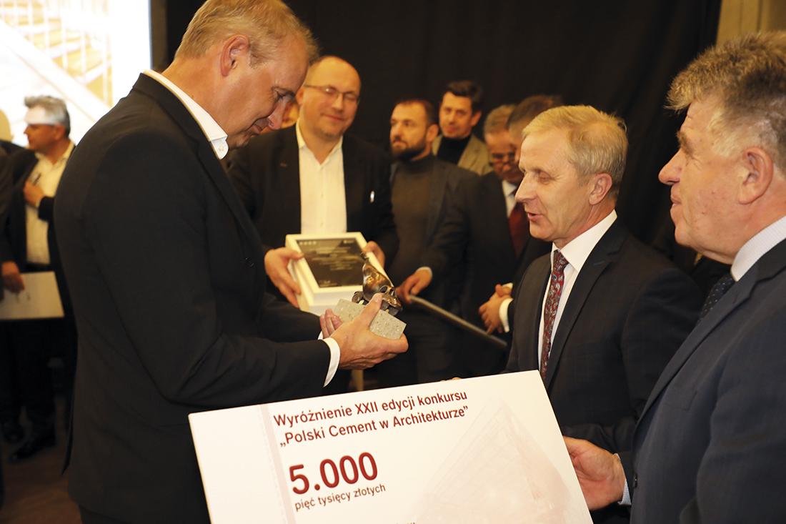Wyróżnienie dla: Orłowski Szymański Architekci ze Szczecina za Budynek Biurowo-Magazynowy Puccini w Skarbimierzycach