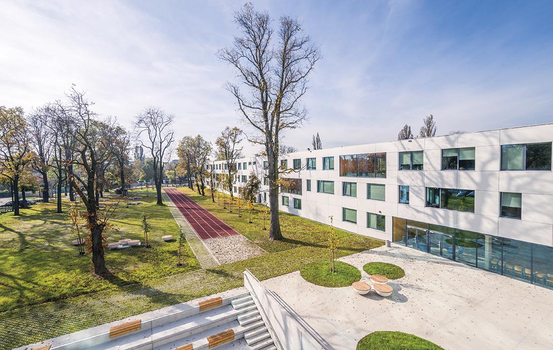 Budynek V Liceum Ogólnokształcącego we Wrocławiu