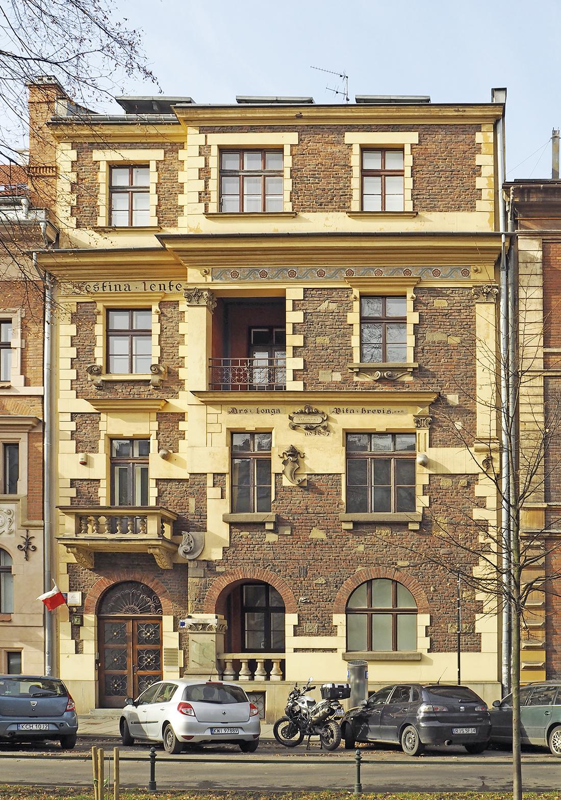 Kamienica: ul. Retoryka 7 festina lente znadbudowanym trzecim piętrem