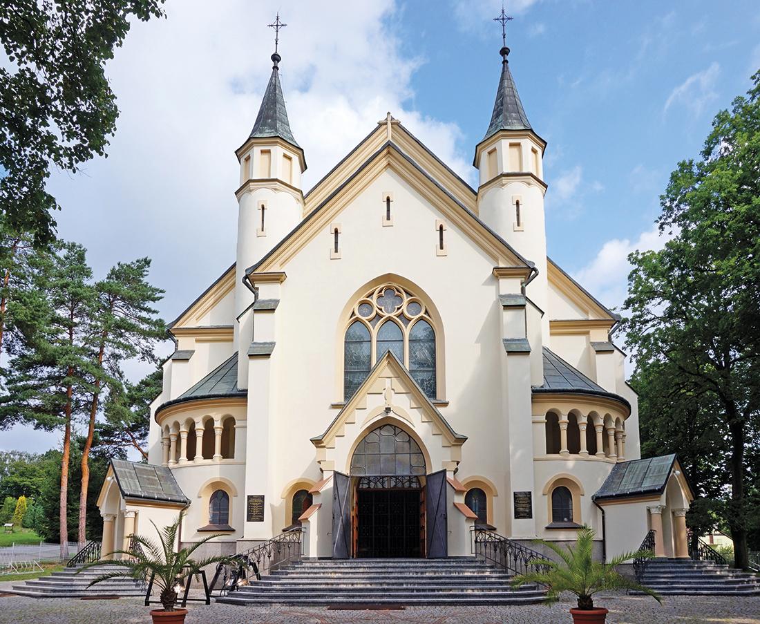 Kościół wKraczkowej – wieże kościelne czy minarety?