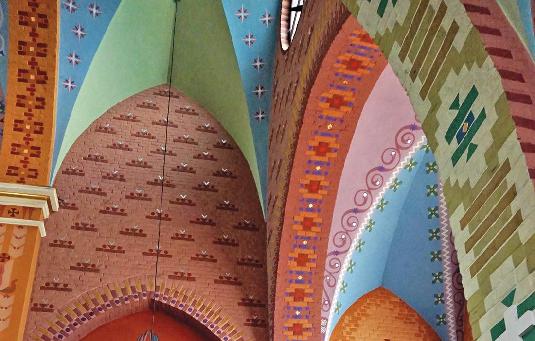 Kościół wLaszkach - malowidła ścienne bezpośrednio na cegle