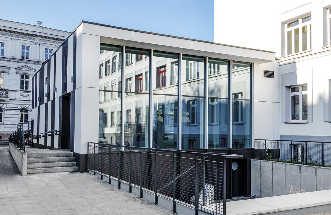 Pawilon przy Państwowym Liceum Plastycznym wOlsztynie