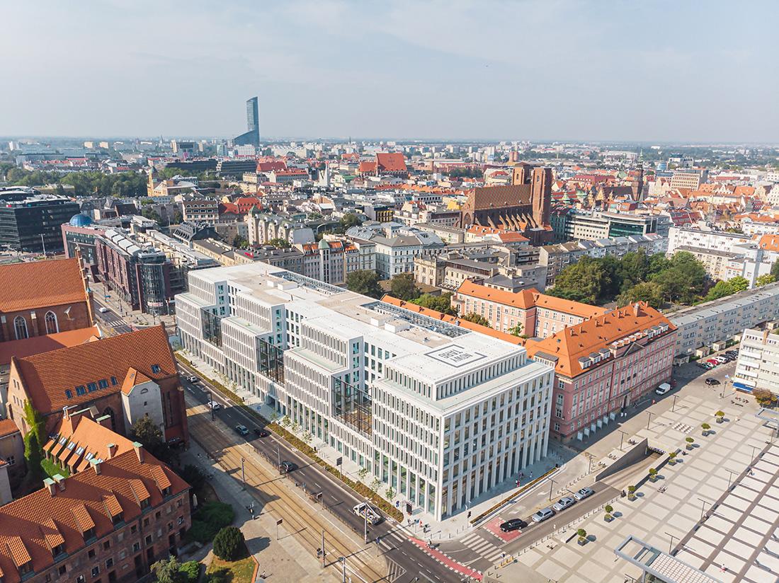 """Budynek biurowo-usługowy """"Nowy Targ"""" we Wrocławiu"""